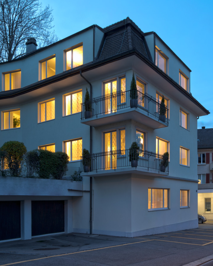 XCG Gebäude – Haus beleuchtet