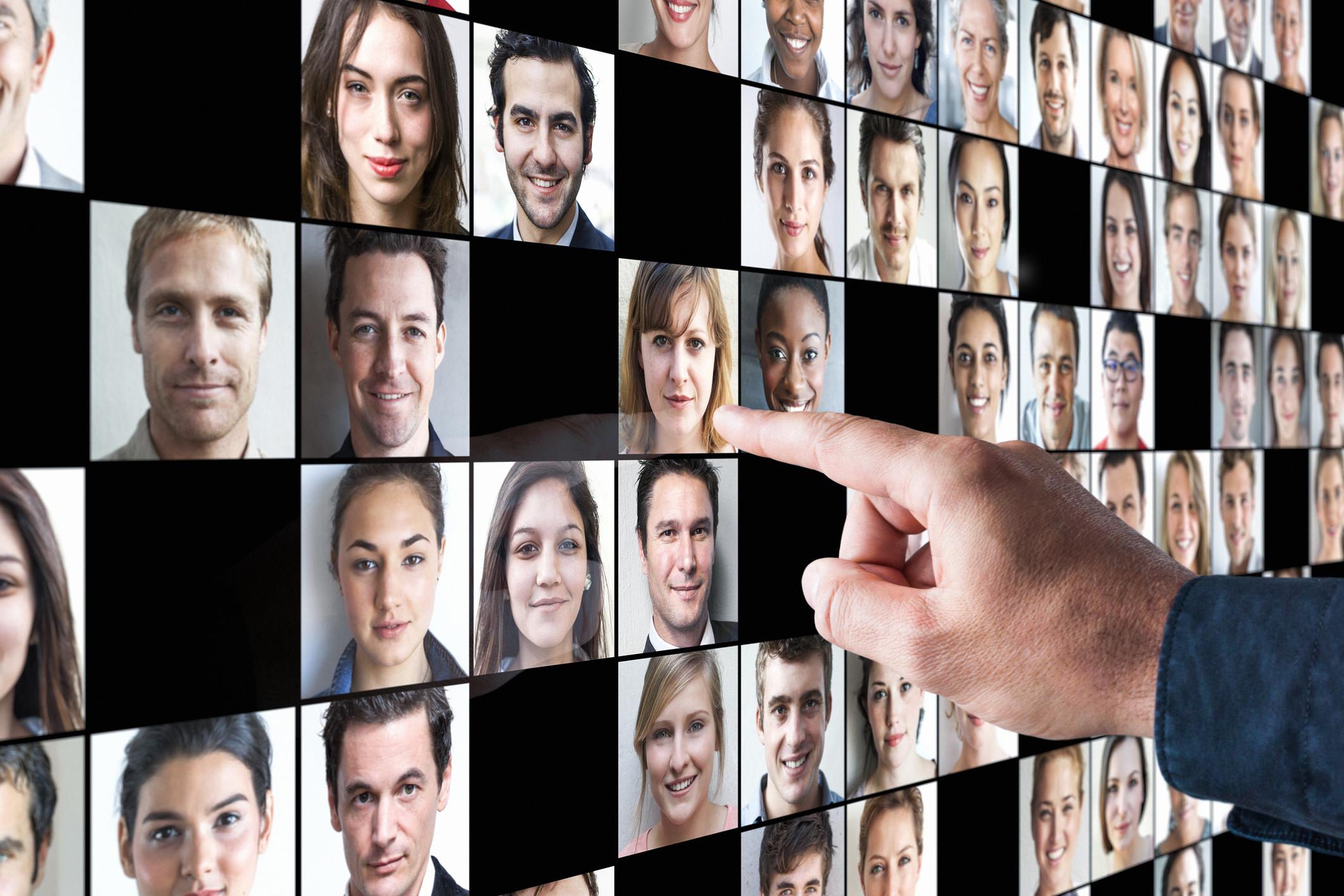 xcg Executive Assessment – Gesichter Touchscreen