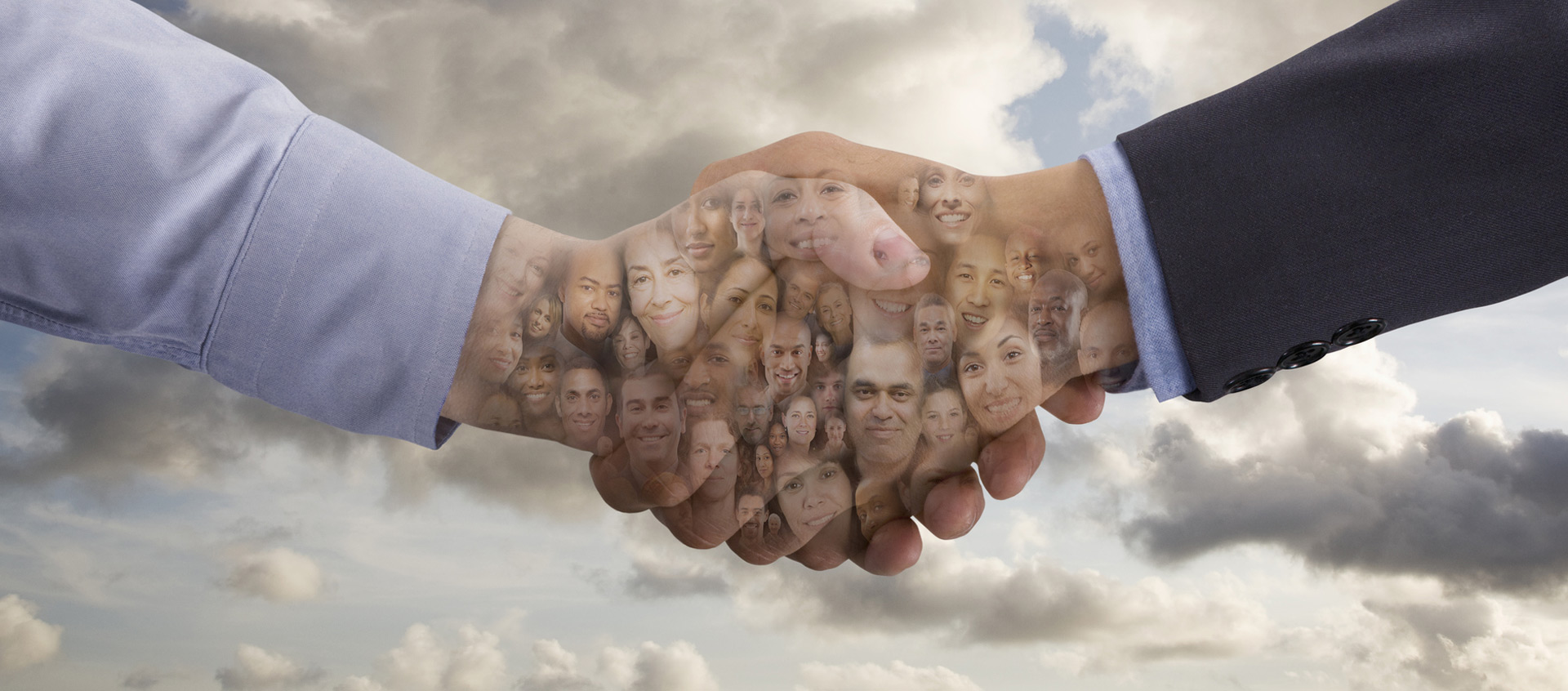 xcg Business Coaching – Händereichen