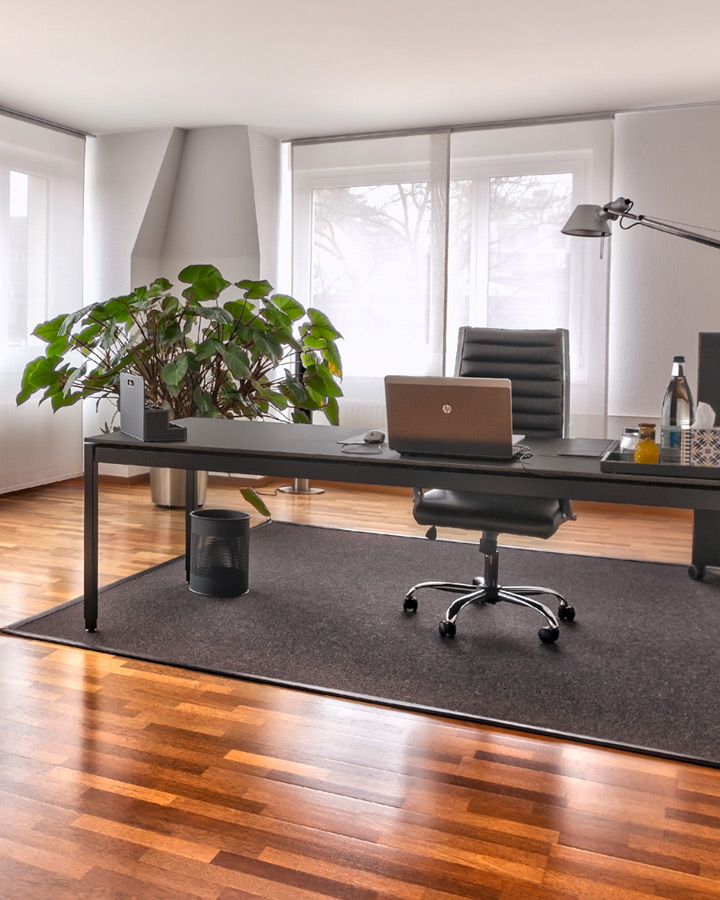 XCG Gebäude – Helles Büro